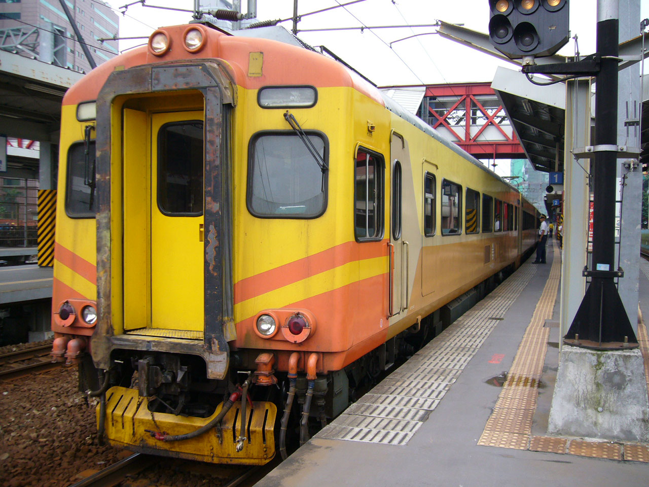 イタリア製EMU300形